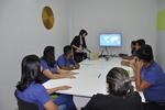 Psicóloga Ana Virlânia, em apresentação aos colaboradores da Infoway