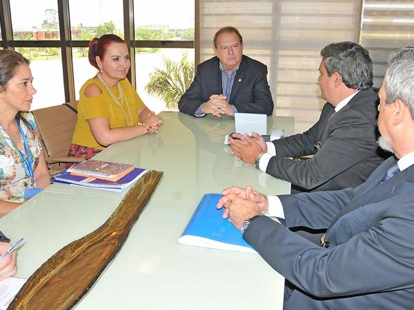 Além da ponte de Porto Nacional, o governador Mauro Carlesse também relatou a situação das obras paradas que precisam ser retomadas com brevidade