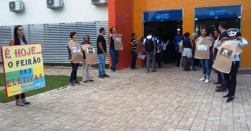 Escolas do programa Escola Jovem em Ação realizam Feirão das Eletivas