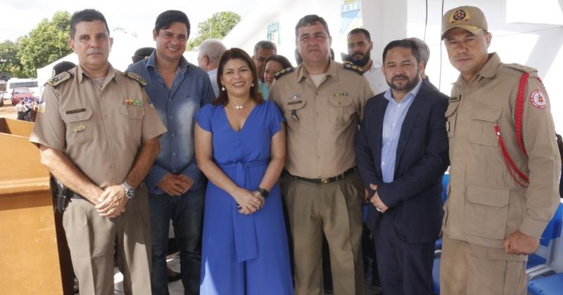 A solenidade reuniu autoridades estaduais e locais, amigos e familiares