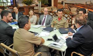 reunião da equipe de trabalho - Segurança Pública om o Gov, Mauro Carlesse_300.jpg