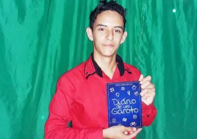 Matheus escreveu um livro sobre seus sonhos e ideias