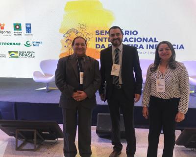 O Vice-governador Wanderley Barbosa, com o secretário de Estado do Trabalho e Desenvolvimento Social, Messias Araújo, e a Coordenadora Estadual do Programa Primeira Infância, Katilvânia de Souza.