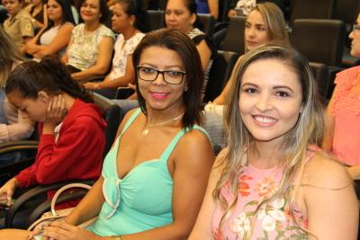 Presença feminina no evento.JPG