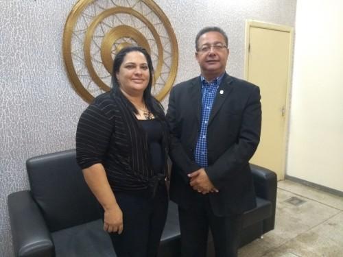 O presidente da Adetuc, com a prefeita de São Miguel, Elisângela Alves