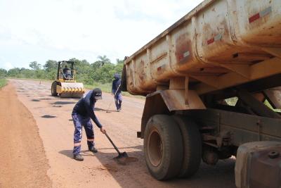 Manutenção garante trafegabilidade das vias