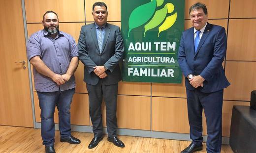 Na oportunidade, também foi protocolado um pedido de aditivo do convênio do Programa Quintal Verde, para aquisição de sementes e implantação de hortas