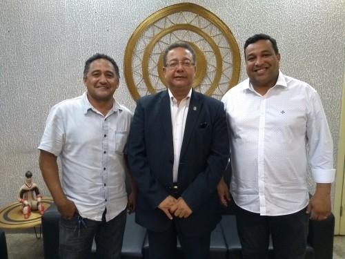 Tom Lyra com o prefeito José Augusto e seu vice, João Carlos