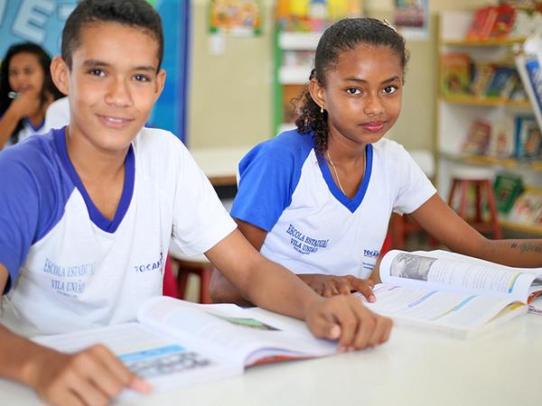 Alunos José Luciclecio de Oliveira e Ana Clara Santos, da Escol Vila União