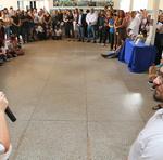 Ao lado do diretor da Escola, José Antônio Gama, titular da Seduc anuncia aumento no recurso da alimentação escolar
