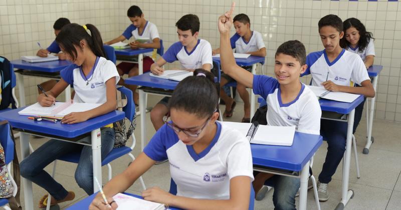 O acompanhamento da frequência escolar é um dos critérios do Bolsa Família para garantir o acesso aos serviços de saúde e educação