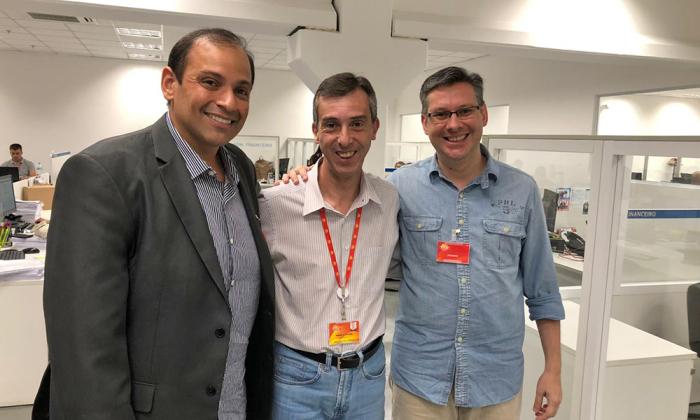 Presidente da Jucetins, Gleydson Nato, acompanhado do gerente tributário do Assaí, Marcelo Viana (centro), e do diretor Rogério Boschi (dir.)