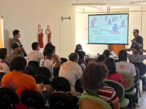 Visita de Acadêmicos UFT Tocantinópolis no Monaf  (5)_300.jpg