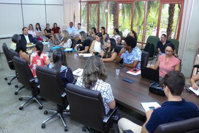 O Comitê Gestor Intersetorial é um espaço de articulação formado por diversos representantes  de áreas relacionadas  à proteção social