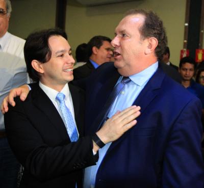 Secretário Leonardo Cintra ao lado do Governador Mauro Carlesse, durante o lançamento da Agrotins