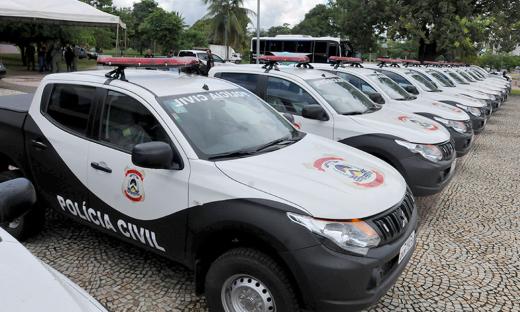 Em fevereiro, o Governo entregou viaturas, armas e equipamentos para a Polícia Civil. Os bens entregues no ato estão avaliados em mais de R$ 10,5 milhões de reais