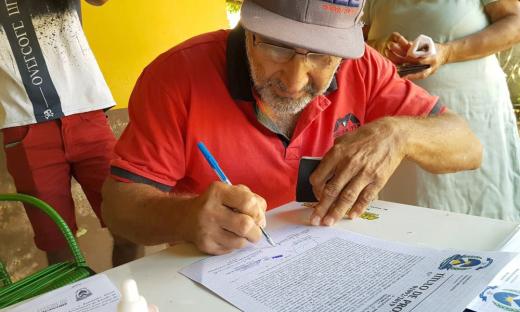 Regularização fundiária é uma das metas do governador Mauro Carlesse, que assinou mais de dois mil títulos definitivos de lotes urbanos nas cidades de Palmas, Gurupi, Araguaína e Filadélfia