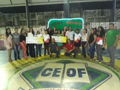 Foram premiados quatro alunos do ensino fundamental e três alunos da EJA 3º segmento, sendo um de cada série