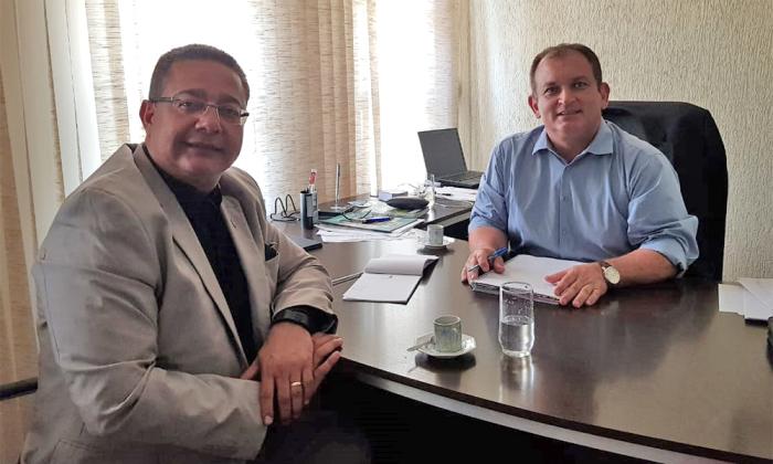 Presidentes da Adetuc e Ruraltins discutiram ações visando o manejo correto do capim dourado - Adetuc/Governo do Tocantins