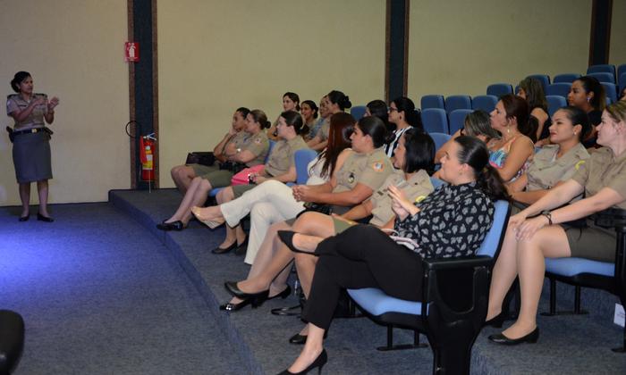 Durante o evento foram abordadas de forma teórica e práticas, técnicas de etiquetas e cerimonial