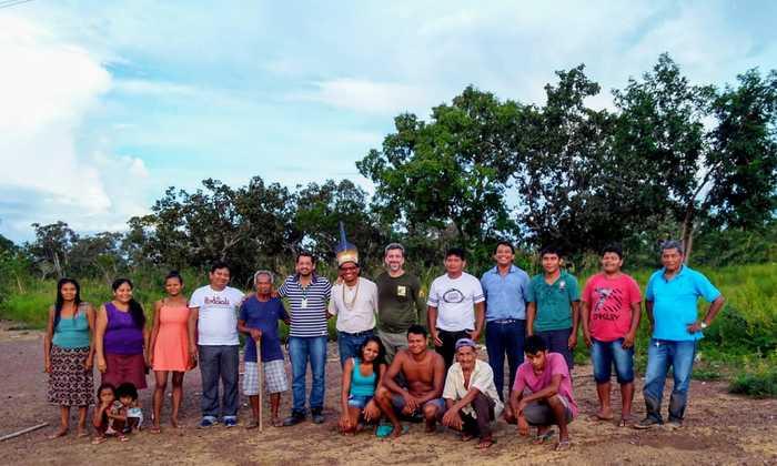 Naturatins em visita a aldeia Ktẽpo, terra indígena Xerente do município de Tocantínia onde se reuniram o representante da Unix e de seis aldeias da região