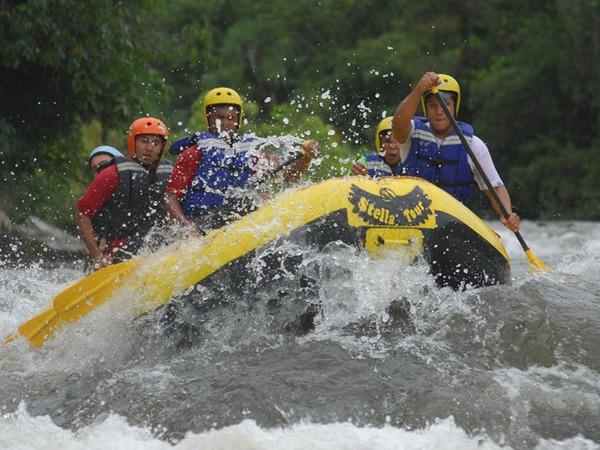 Rafting no Rio Palmeiras, em Dianópolis, um dos atrativos do turismo de aventura das Serras Gerais