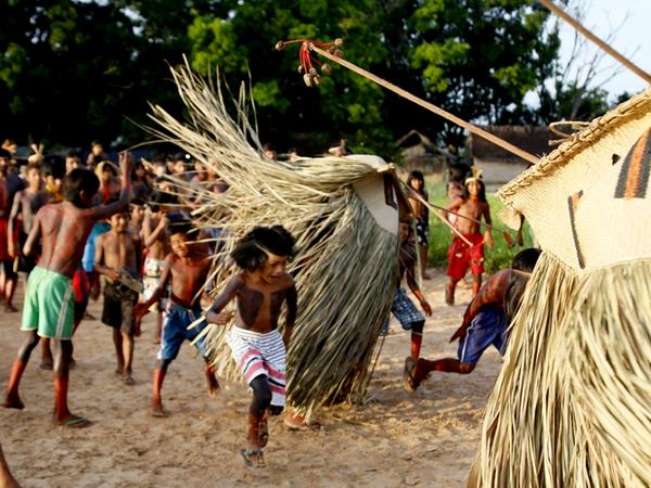 Festa da Lontra e do Peixe é a encenação de uma das mitologias do povo Krahô
