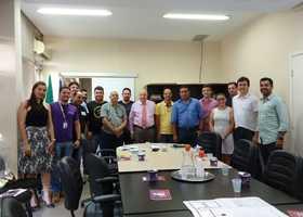 Secretário Ridoval com os empresários que vão expor seus produtos na Agrotins