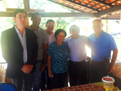 Coordenador do Núcleo, Marcondes, com a senadora, atual vice-governadora do Piauí Regina Souza e idealizadores do projeto