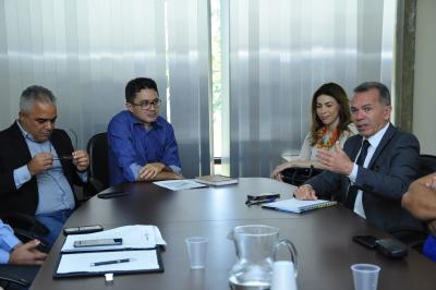 Participaram da reunião diversos órgãos que integram o processo de controle mobiliário