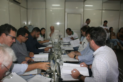 Presidente do Conselho, secretário Ridoval, reunido com conselheiros, analisam pauta que prevê concessão de benefícios