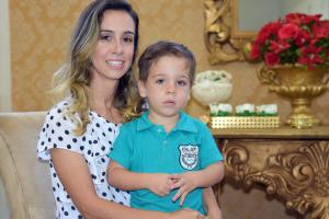 Major Maryelle Ferreira, mãe de seis meninos, diz que dividir a rotina de mãe e bombeira militar é gratificante