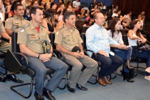 Comandante do CBMTO, coronel Reginaldo Leandro; comandante-geral da PM, coronel Jaizon Veras; governador Mauro Carlesse; primeira-dama Fernanda Carlesse