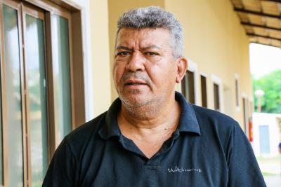 Odilon Marinho é o instrutor dos voluntários  do curso de cabeleireiros da Aafeto na Casa de Apoio