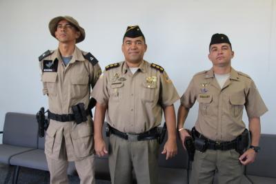 Após concluírem curso de Especialização em Operações de Divisas, policiais militares se apresentam no Comando Geral da PM.JPG