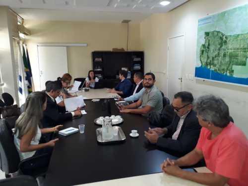 A reunião ordinária foi conduzida pela vice-presidente do Foestur, Ana Paula Setti