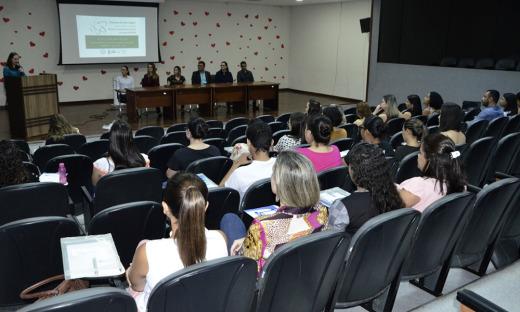 A abertura da II Semana de Enfermagem do Hospital e Maternidade Dona Regina aconteceu no auditório da Assembleia Legislativa do Tocantins