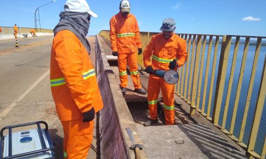 Trabalhos de reforma da ponte, que devem custar cerca de R$ 2 milhões, começaram no último dia 6 de maio