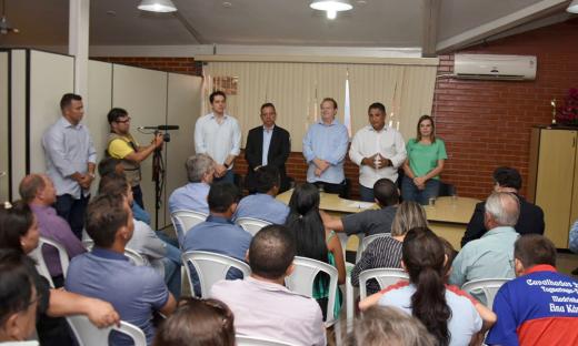 Governador Carlesse se reuniu na sede da Prefeitura de Taguatinga com oito prefeitos dos municípios presentes ao evento, para tratar das demandas de cada localidade