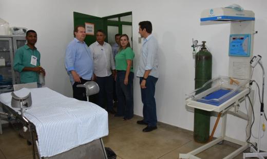 Antes de encerrar a agenda o Governador conheceu o terreno onde será construída as instalações da Polícia Militar e visitou o Hospital São João Batista