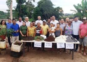 As famílias ficarão responsáveis pelo plantio, cultivo, colheita, venda e distribuição dos produtos