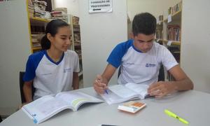 Janaína Neres Evangelista (uma medalha de prata e duas de bronze) e o estudante Tacio Araújo Sales (medalhista de prata em 2018), ambos são da Escola Estadual Meira Matos