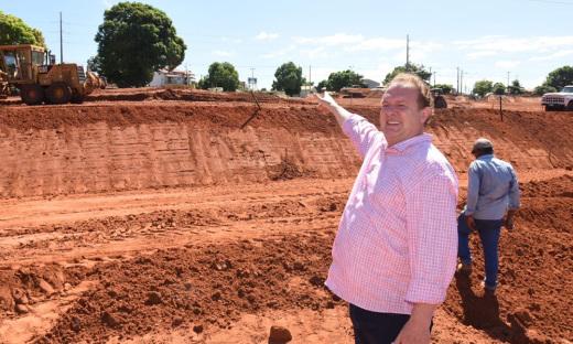 Governador vistoriou as obras de recuperação na rodovia TO-222, no perímetro urbano de Araguaína (Avenida Filadelfia)