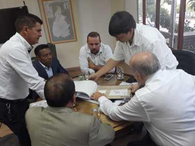 Secretário Ridoval discute o projeto do Shopping do Automóvel com instituições e empresário do setor
