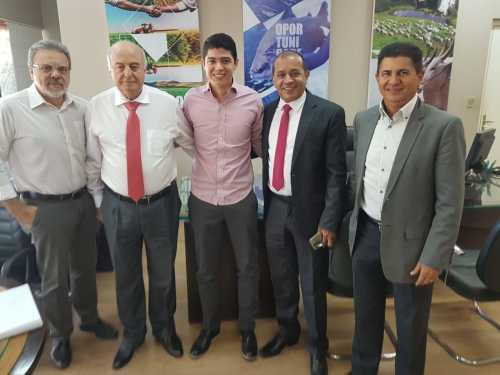 Secretário Ridoval com o prefeito em exercício de Paraíso, Celso Morais, trata de iniciativas para industrializar o município