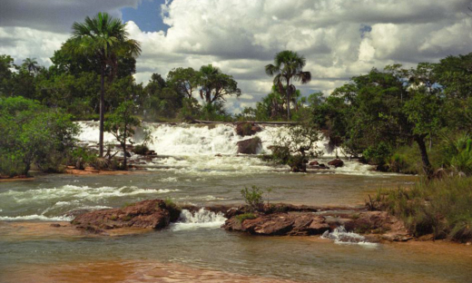 Cachoeira do Cavalo Queimado fica no município de Dianópolis