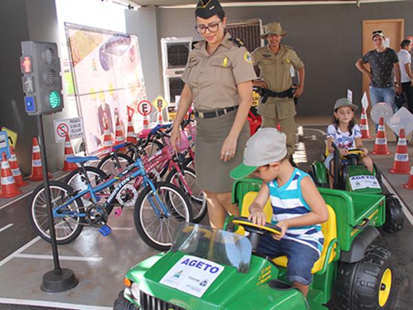 Objetivo da ação realizada pelo Governo do Tocantins neste final de semana, em um shopping da Capital, foi promover a educação e a segurança no trânsito
