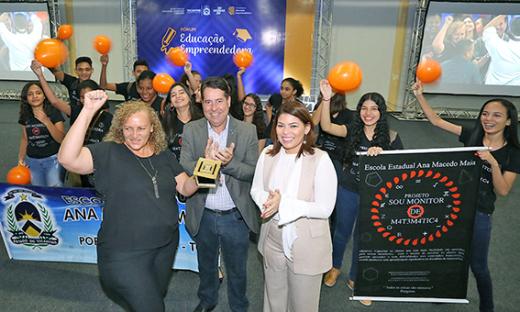 Professora Marilene Pereira conquistou prêmio com projeto 'Sou Monitor de Matemática'