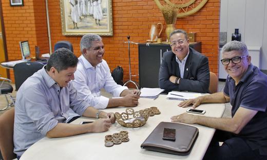 Prefeito de São Valério do Tocantins, Olímpio Arraes, buscou orientações sobre o processo de recursos via emenda parlamentares, a fim de garantir a estrutura da praia do Pôr-do-sol