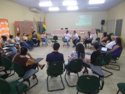 Entre as atividades, estavam a divulgação do Selo Quem Educa, Faz!, de ações da Seduc e orientações sobre evasão escolar